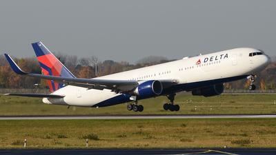 N178DZ - Boeing 767-332(ER) - Delta Air Lines