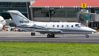 A picture of N371CF - Hawker Beechcraft 400XP - [RK351] - © Spottergirl_777