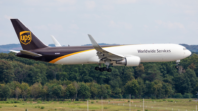 A picture of N330UP - Boeing 76734AF(ER) - UPS Airlines - © Andy Fonseca