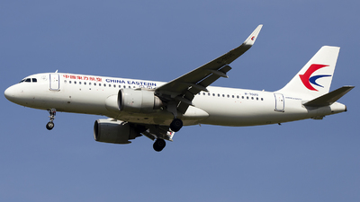 B-302G - Airbus A320-251N - China Eastern Airlines