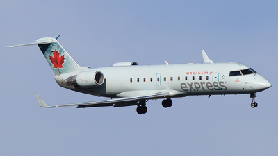 C-GKER - Bombardier CRJ-200LR - Air Canada Express (Jazz Aviation)
