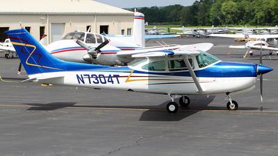 N7304T - Cessna 182 - Levin Air