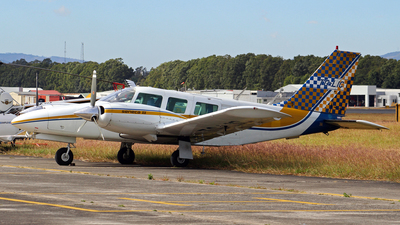 TG-LIC - Piper PA-34-200T Seneca II - Private
