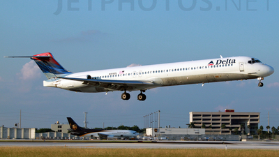 N919DL - McDonnell Douglas MD-88 - Delta Air Lines