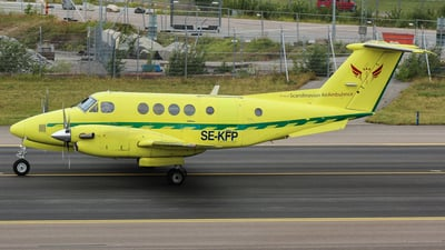 SE-KFP - Beechcraft 200 Super King Air - Svensk Flygambulans