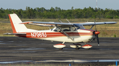N7961U - Cessna 172F Skyhawk - Private