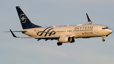 A picture of N3761R - Boeing 737832 - Delta Air Lines - © Gautham Kurup