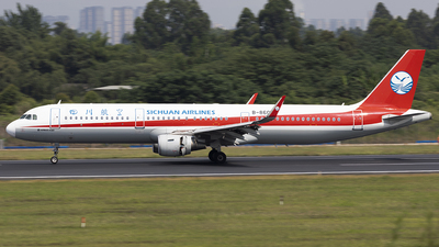 A picture of B8603 - Airbus A321211 - Sichuan Airlines - © jehrenstoneman