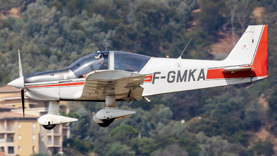 F-GMKA - Robin HR200/120B - Private