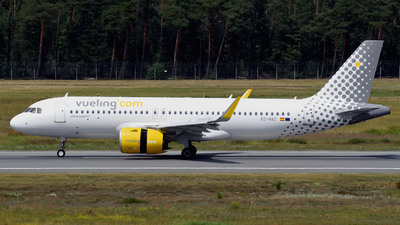 EC-NAZ - Airbus A320-271N - Vueling Airlines