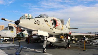 154977 - Douglas A-4F Skyhawk - United States - US Navy (USN)