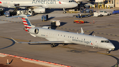 A picture of N326MS - Mitsubishi CRJ900LR - American Airlines - © Alexander Aston