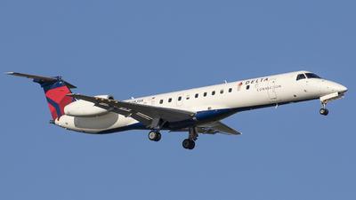 A picture of N283SK - Embraer ERJ145LR - [145424] - © Gilles ASTRE