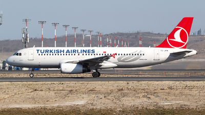 A picture of TCJPM - Airbus A320232 - Turkish Airlines - © Bora Polater