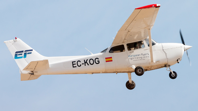 EC-KOG - Cessna 172R Skyhawk II - European Flyers