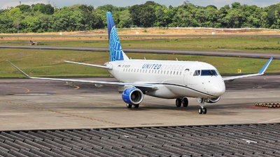 A picture of N85379 - Embraer E175LL - United Airlines - © Wiliam Braun
