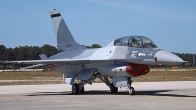 15139 - Lockheed Martin F-16BM Fighting Falcon - Portugal - Air Force