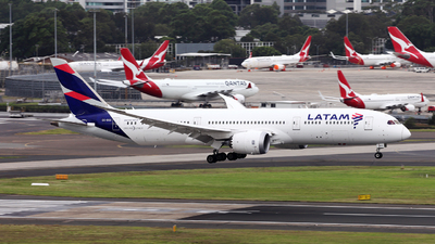 A picture of CCBGC - Boeing 7879 Dreamliner - LATAM Airlines - © Morris Biondi