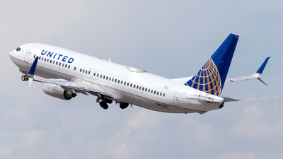 A picture of N24202 - Boeing 737824 - United Airlines - © HA-KLS