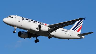 A picture of FGKXG - Airbus A320214 - Air France - © Alex Meunier