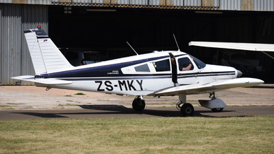 ZS-MKY - Piper PA-28-180 Cherokee - Private