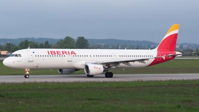 EC-HUH - Airbus A321-211 - Iberia