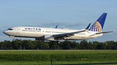A picture of N33209 - Boeing 737824 - United Airlines - © DJ Reed - OPShots Photo Team