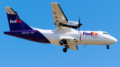 A picture of N923FX - ATR 42300(F) - FedEx - © Ricky Teteris