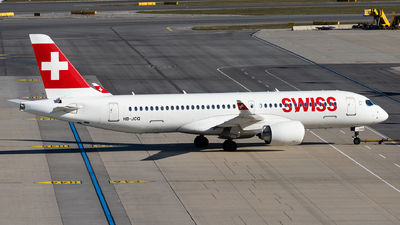 A picture of HBJCQ - Airbus A220300 - Swiss - © Thomas Ranner