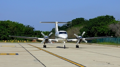 HK-4672-G - Beechcraft 200 Super King Air - Private