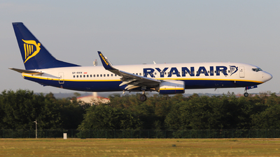 A picture of SPRKN - Boeing 7378AS - Ryanair - © László Kurilla