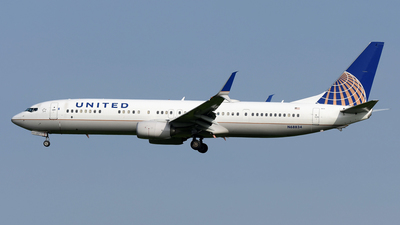 A picture of N68834 - Boeing 737924(ER) - United Airlines - © DJ Reed - OPShots Photo Team