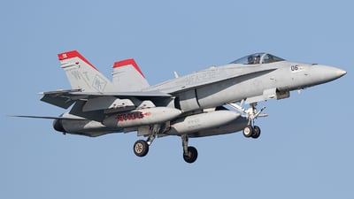 164696 - McDonnell Douglas F/A-18C Hornet - United States - US Marine Corps (USMC)