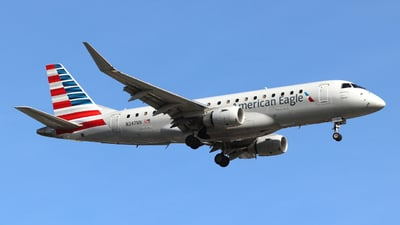 A picture of N247NN - Embraer E175LR - American Airlines - © Guy Langlois