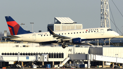 N286SY - Embraer 170-200LR - Delta Connection (SkyWest Airlines)