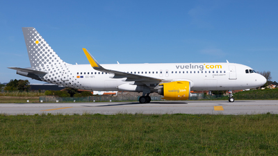 A picture of ECNFI - Airbus A320271N - Vueling - © Carlos Miguel Seabra