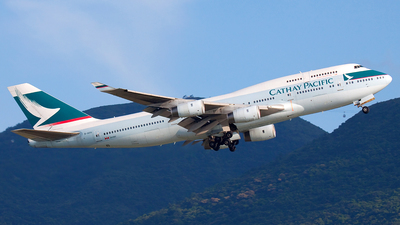 B-HOS - Boeing 747-467 - Cathay Pacific Airways