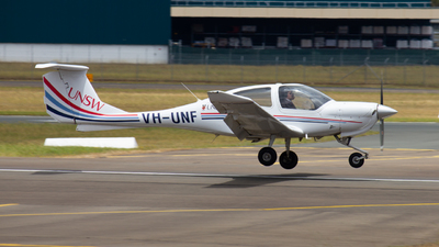 VH-UNF - Diamond DA-40 Diamond Star - University of New South Wales
