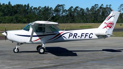 PR-FFC - Cessna 152 - Escola Paranaense de Aviação