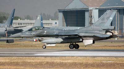 854 - Lockheed Martin F-16CJ Fighting Falcon - Chile - Air Force