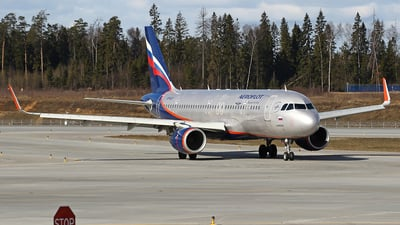 A picture of VPBJY - Airbus A320214 - Aeroflot - © Airyura