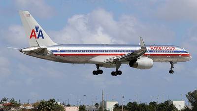 A picture of N649AA - Boeing 757223 - [24607] - © Joshua Ruppert