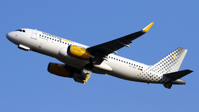 EC-MXG - Airbus A320-232 - Vueling Airlines