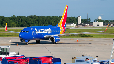 A picture of N229WN - Boeing 7377H4 - Southwest Airlines - © Devin | Charleston.Spotter