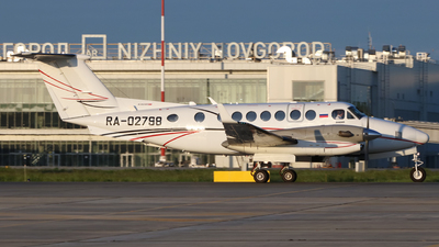 RA-02798 - Beechcraft 300LW Super King Air - Lukoil-Avia