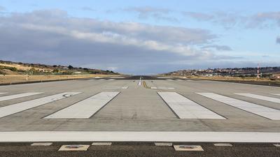 LPPS - Airport - Runway