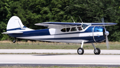 N9810A - Cessna 195 - Private