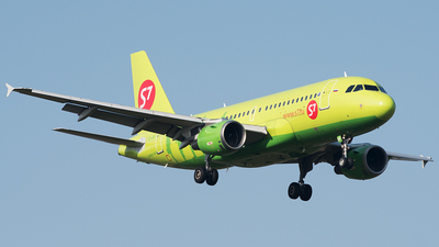 A picture of VPBHF - Airbus A319114 - S7 Airlines - © Alexey Prokhorov