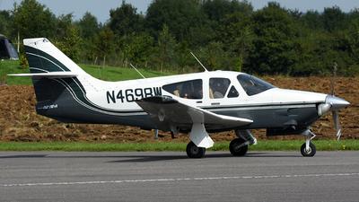 N4698W - Rockwell Commander 112TCA - Private