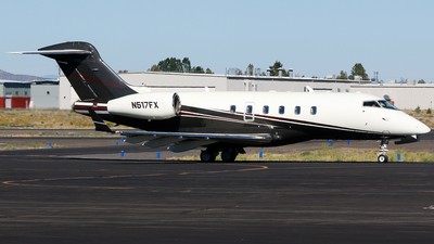 A picture of N517FX - Bombardier Challenger 300 - Flexjet - © Alec Mollenhauer